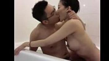 ไทยโป๊ โป้สาวไทย เย็ดในห้องน้ำ เย็ดสาวไทย เย็ดผัวหนุ่ม