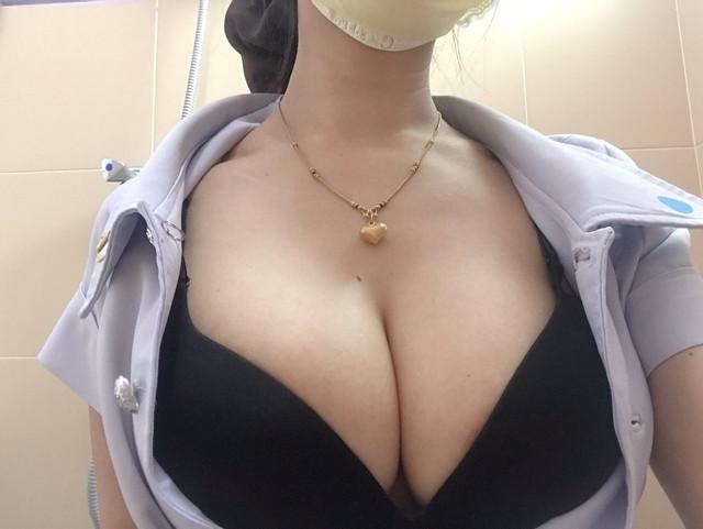 โชว์ร่อง แคมหี เนินนม เซ็กซี่ หีอูม